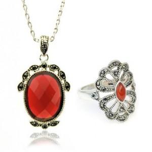 Set bijuterii cu Cristale Swarovski 'Vintage Red'