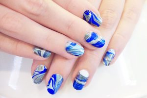 Un model usor de realizat pentru unghiile tale