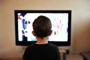 Filme si muzica, la tv sau online?